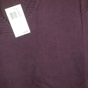 NWT sweater beautiful color XL